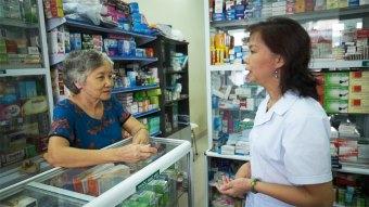 Cô Lài tư vấn sản phẩm cho bệnh nhân dựa trên 3 tiêu chí